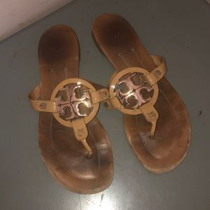 Tory Burch Miller sandals flip flops sz 8.5 tan